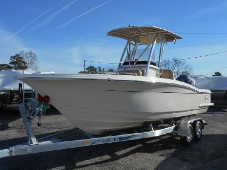 2017 Scout Boat Company 215 XSF