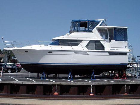 1994 Carver 440 Aft Cabin Motor Yacht Carver 440 - Port Profile
