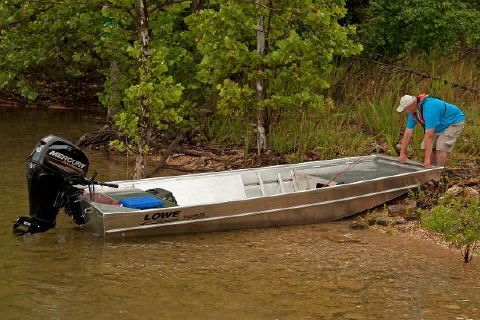 2017 Lowe Roughneck 1655 Shallow Water