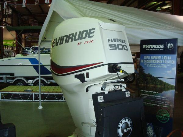 2014 Evinrude E300 DSL ETEC