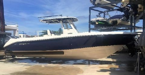 2011 EVERGLADES BOATS 325 CC