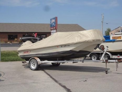 1990 Boston Whaler 170 Montauk