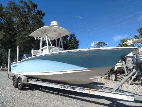 2015 SEA HUNT Center Console