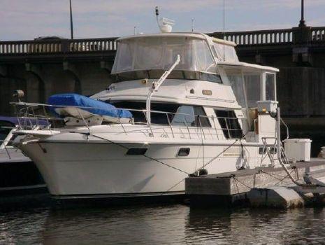 1991 Carver 42 Motor Yacht
