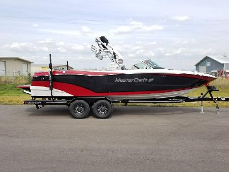 2019 Mastercraft XT25 2019 MasterCraft XT25 For Sale