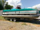 1995 TRACKER PARTY BARGE