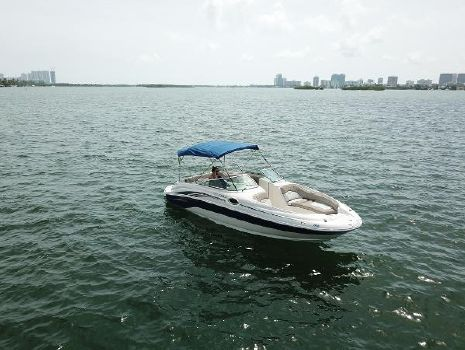 2004 SEA RAY 240  Sundeck - 2013 Engine