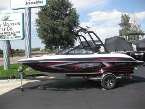 2015 Larson LSR 2000