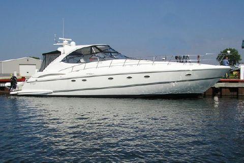 2005 Cruisers Yachts 560 Express
