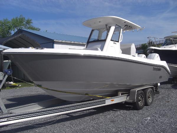 2016 Everglades Boats 255CC