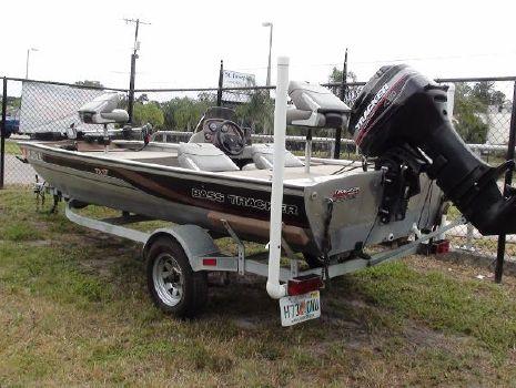2001 Bass Tracker TX-17