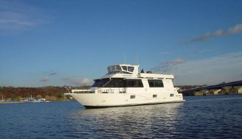1998 Skipperliner Motor Yacht