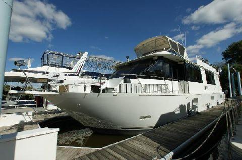 1998 Skipperliner Motor Yacht