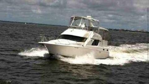 2002 Silverton 392 Motor Yacht 2002 Silverton 392 at sea!