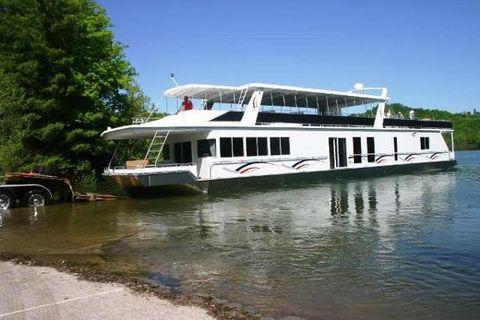2007 Fantasy Houseboat