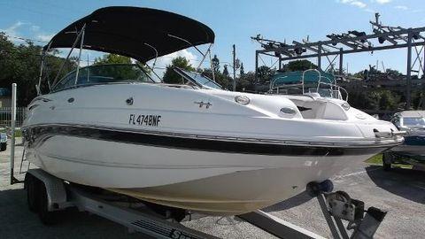 2003 Chaparral 223 Sunesta Deck Boat