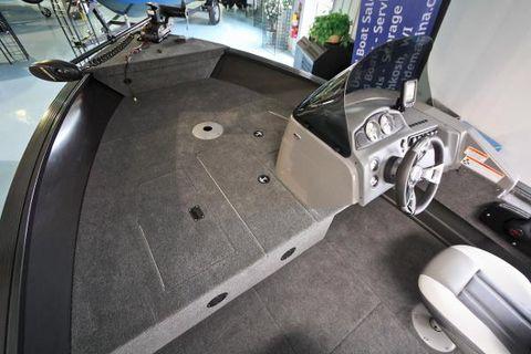 2016 MirroCraft Troller EXP 1685
