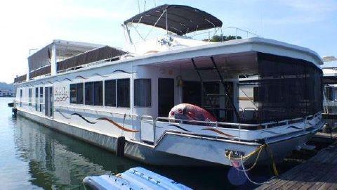 2006 Fantasy Houseboat 20x102 Houseboat