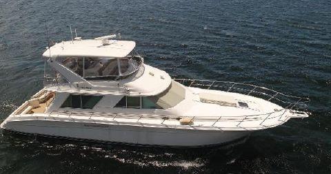 1998 Sea Ray 550 Sedan Bridge starboard side exterior - main
