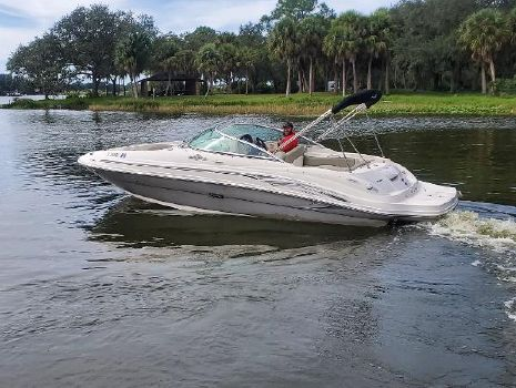 2006 Sea Ray 220 Select