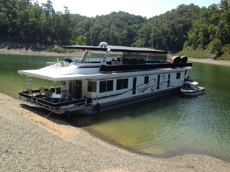 2004 Horizon Houseboat