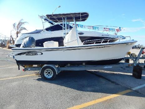 2006 May-Craft 1900CC Stbd. Side