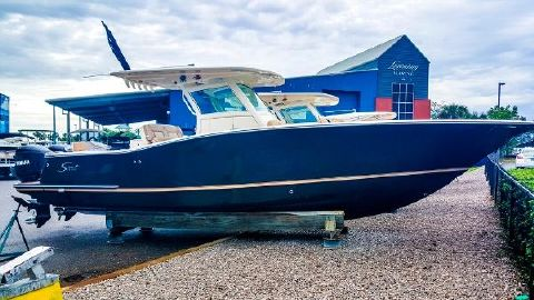 2016 Scout Boats 320 LXF