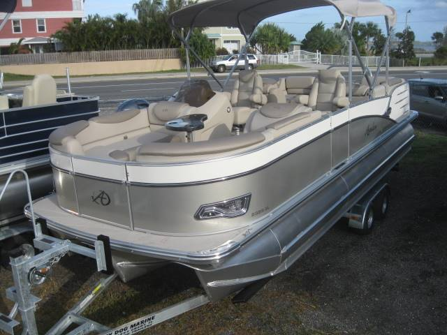 2017 Avalon Catalina 8523 Quad Lounger