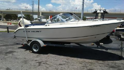 2006 SEA HUNT Escape 186