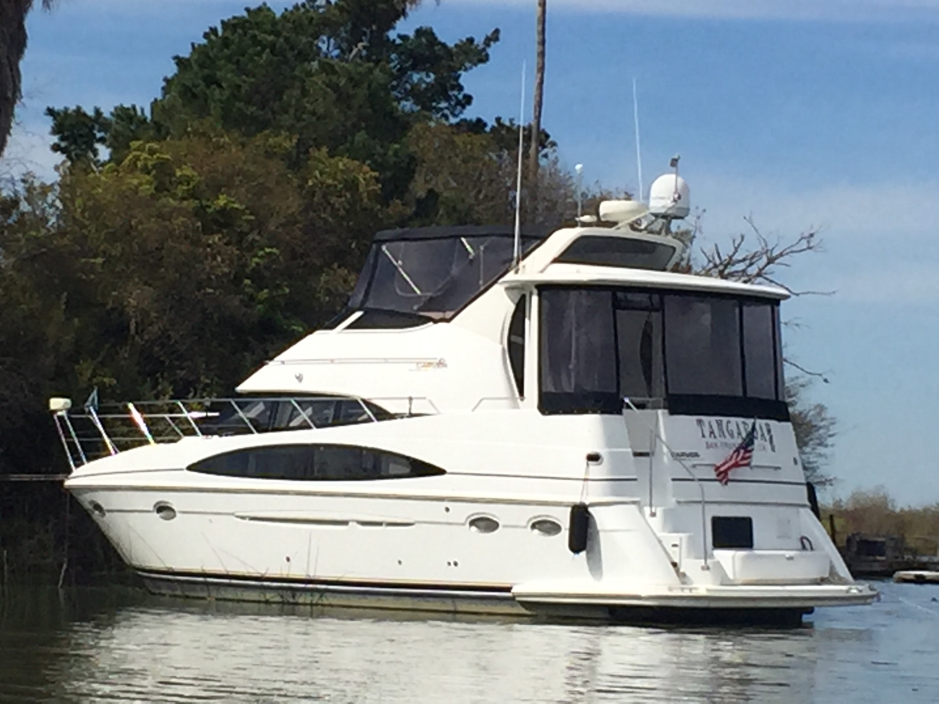 Check out this 2001 CARVER 396 Motor Yacht on Boattrader com