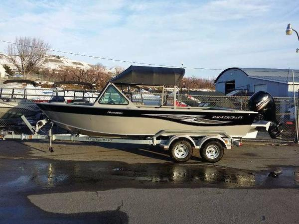 2016 Smoker-craft 202 Phantom Offshore