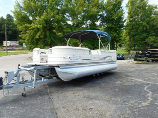 2006 Sun Tracker PARTY BARGE 25 I/O Regency Edition
