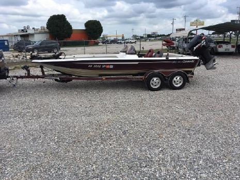 2001 Champion Boats 206 DC Elite