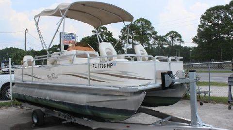 2007 Sylvan Marine Sun Chaser