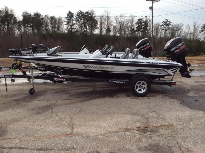 2016 Phoenix Bass Boats 618 Pro