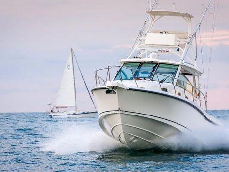 2018 Boston Whaler 345 Conquest