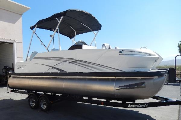 2015 Escape RT 2400 Fish/Cruise Twin