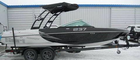 2017 Sanger Boats V237 LS