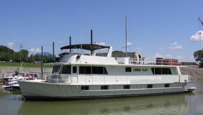 1972 KELLY Houseboat