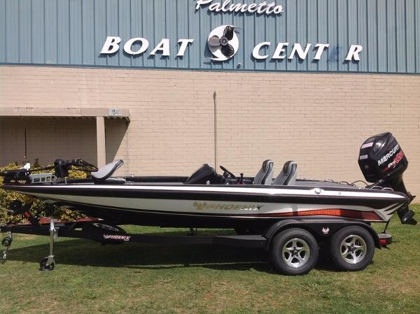 2016 Phoenix Bass Boats 819 Pro