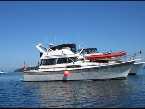 1984 Bayliner 3870 Profile