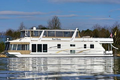 2012 Thoroughbred 83'x19' Houseboat