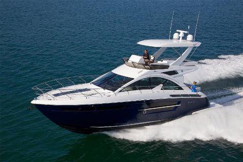 2018 Cruisers Yachts 54 Flybridge