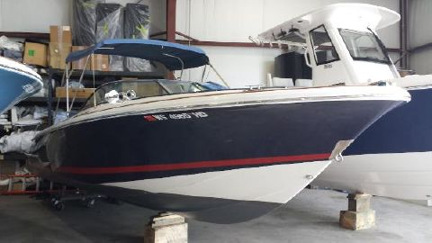 2007 Chris-Craft 25 Launch Blue Ribbon Front Starboard View