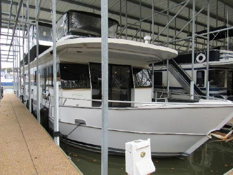 2001 Monticello River Yacht