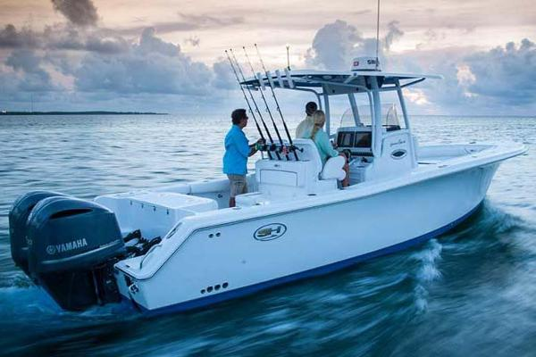2017 Sea Hunt Gamefish 30 Manufacturer Provided Image