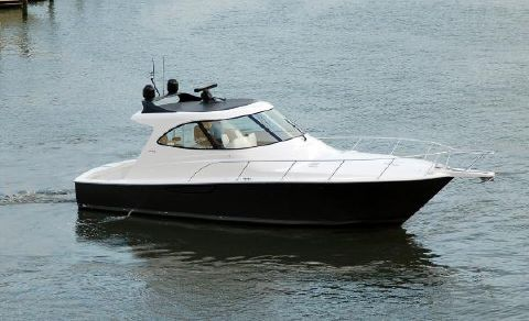 2018 VIKING 42 Sport Coupe