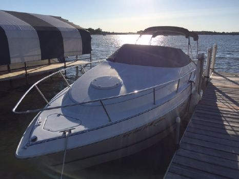 1996 Chris-Craft Crowne 262
