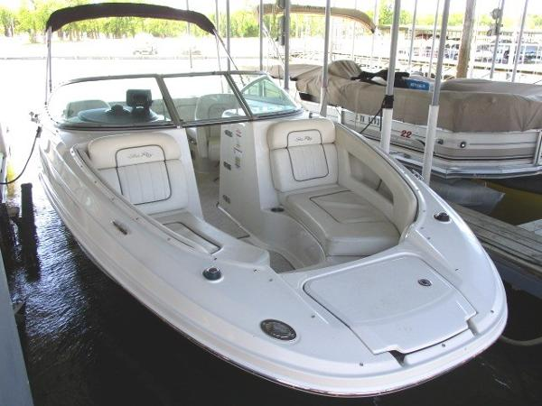 Check out this 2008 SEA RAY 210 Sundeck on Boattrader com