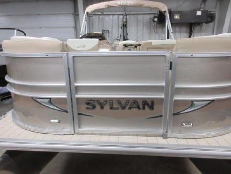 2016 Sylvan 8520 Mirage Cruise LE